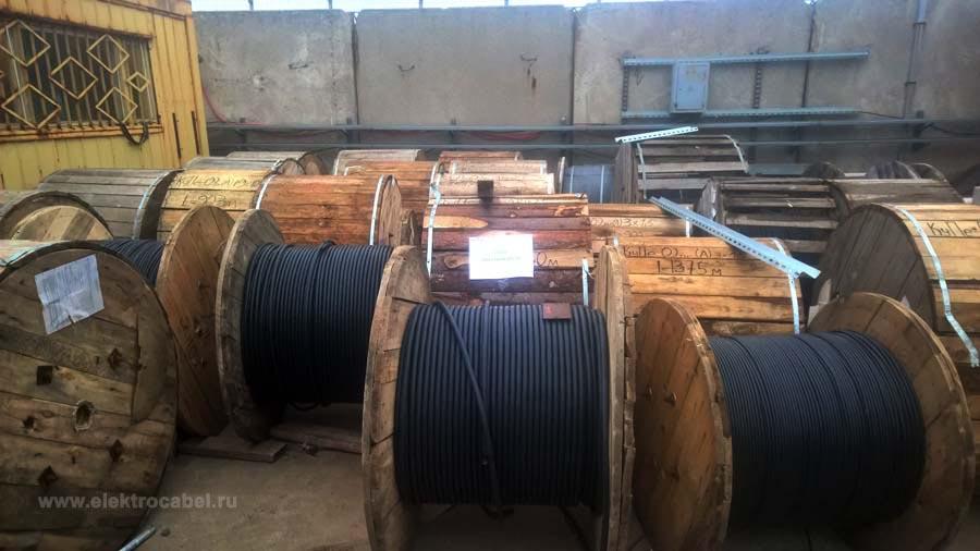 """На складе ООО """"Электрокабель"""" постоянно в наличии широкий ассортимент кабельно-проводниковой продукции"""